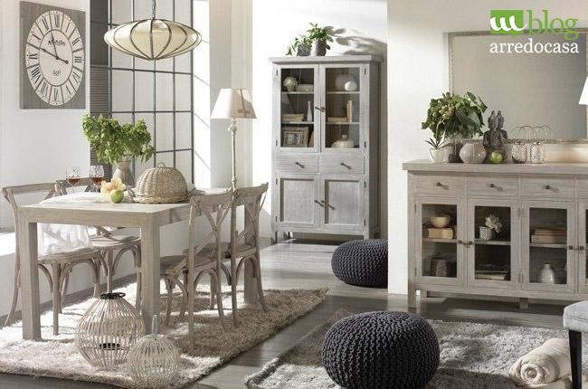 Arredare con i mobili decapati in stile provenzale shabby for Arredamento stile country provenzale