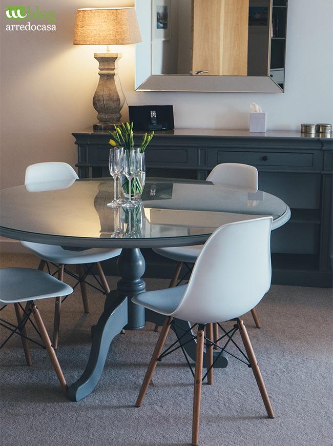 Tavolo Moderno E Sedie Antiche.Come Abbinare Mobili Classici E Moderni M Blog