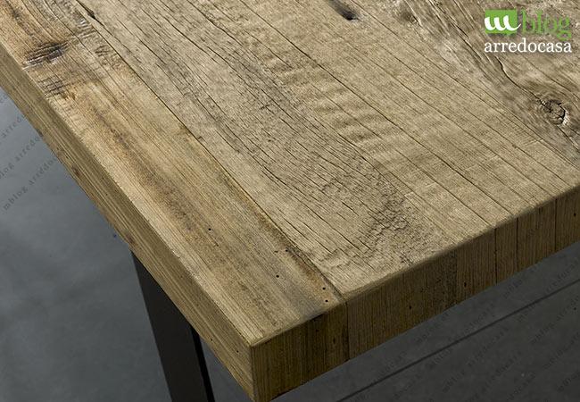 Tavoli industrial design: il fascino del legno, la solidità