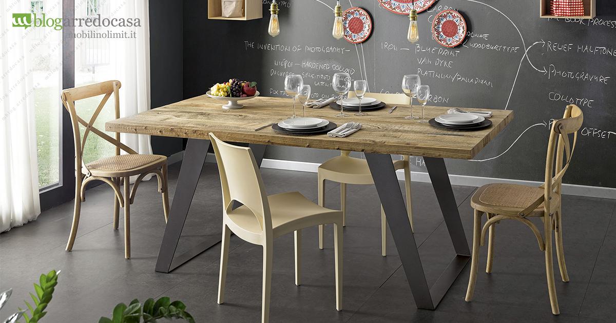 Tavoli industrial design il fascino del legno la for Articoli di design