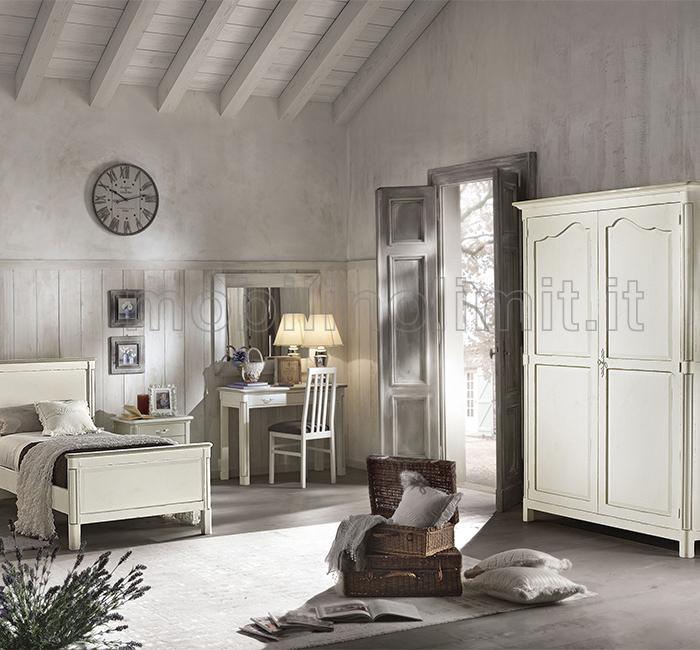 camera da letto con scrittoio shabby chic