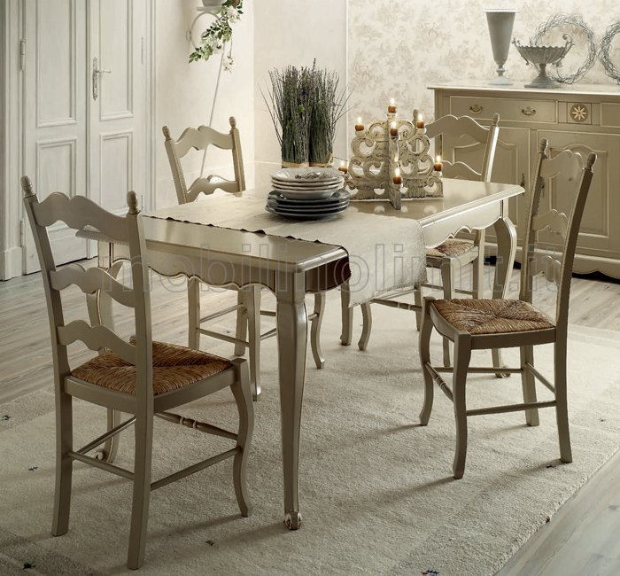 Sedie e tavolo provenzale tortora