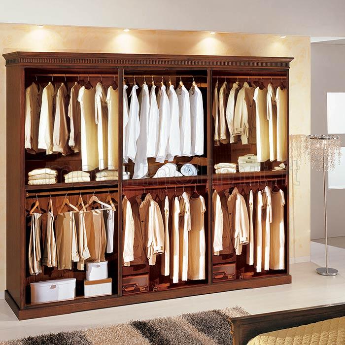 disposizione interna dall'armadio
