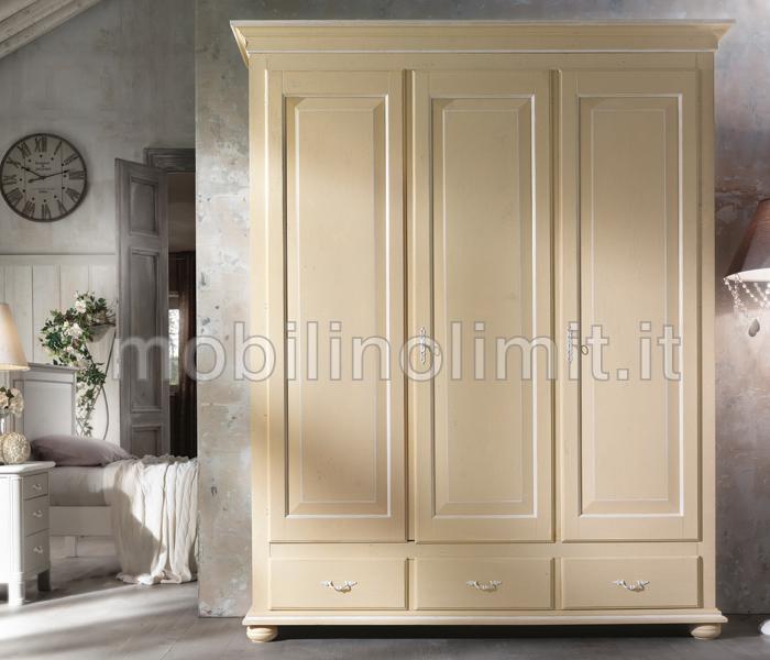 Armadio shabby 3 ante 2 cassetti crema - I mobili della nonna ...