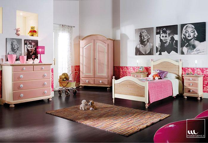 Cameretta da letto singolo colore rosa for Rosa dei mobili torino