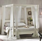Camera matrimoniale con letto a baldacchino - Shabby Chic